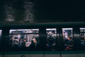 De l'intimité relative dans le métro parisien