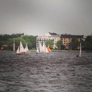 Les voiliers sur le lac de Hambourg