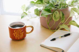 Ecrire et boire du thé