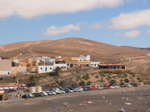 La plage de sable noir à Ajuy
