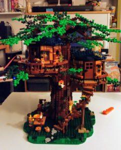 La maison dans les arbres Lego