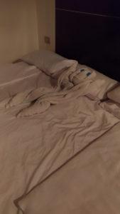 Jeu de serviette sur le lit