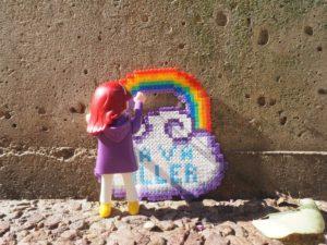 Street art Hama et playmobil