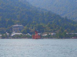 Le torii de Miyajima vu du ferry