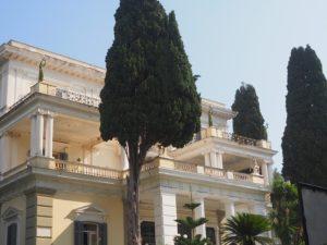 La façade de l'Achilleion, Corfou