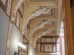 Les escaliers de l'Achilleion