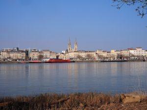 Vue des berges de la Garonne